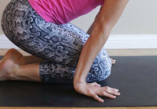 Kneeling-Floor-Wrist-Extension-Stretch